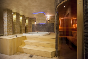 Sauna finlandese professionale con rivestimento